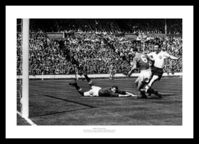 Bolton Wanderers 1958 FA Cup Final Nat Lofthouse Goal Photo Memorabilia