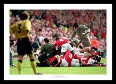 Charlton Athletic 1998 Play-Off Final Celebrations Photo Memorabilia