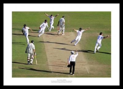 England Regain the Ashes in 2009 Photo Memorabilia