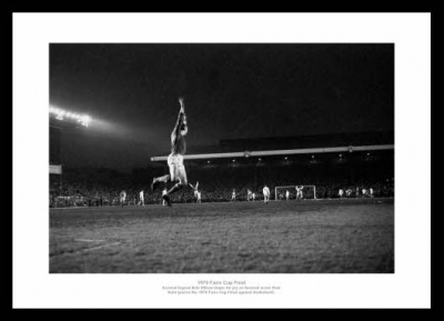 Arsenal 1970 Fairs Cup Final Bob Wilson Photo Memorabilia