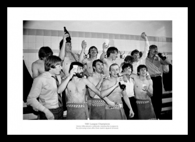 Aston Villa 1981 League Champions Team Celebrations Photo Memorabilia