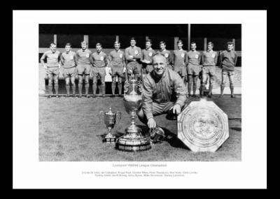 Liverpool 1966 League Champions Bill Shankly & Team Photo Memorabilia