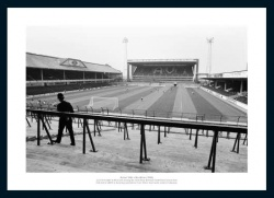 Aston Villa 1982/83 European Cup Empty Stadium Photo Memorabilia