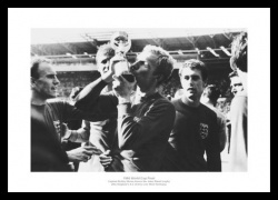 Bobby Moore England 1966 World Cup Final Photo Memorabilia