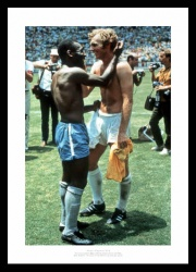 Bobby Moore & Pele 1970 World Cup Photo Memorabilia