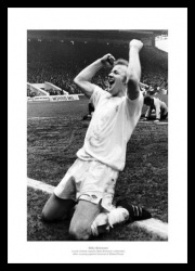 Billy Bremner 'Celebration' Leeds United Photo Memorabilia