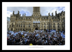 Manchester City 2011 FA Cup Final Open Top Bus Photo Memorabilia