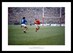 Phil Bennett 1976 Five Nations Wales Rugby Photo Memorabilia