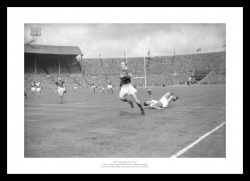 Leeds 1957 Rugby League Challenge Cup Final Photo Memorabilia