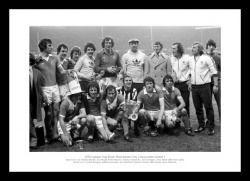 Manchester City 1976 League Cup Final Team Photo Memorabilia